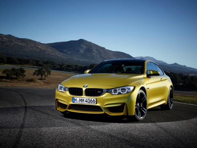 BMW 2015 Model M4 Coupe'u tanıttı
