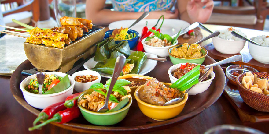 tourist perceptions about traditional foods in The common perception of food as a mere attraction in tourism is challenged by stressing the complications and impediments experienced by tourists in the local culinary sphere in unfamiliar destinations, even when attracted to the local cuisine.