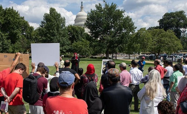Washington'da Arakan protestosu